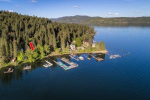 Coeur d Alene lake is the gem of the area with Rockford Bay being a prime spot for recreation and fun! Enjoy all summer long and year round!