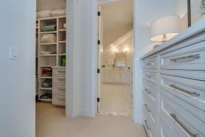 35Master closet-SMALL