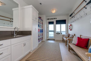 39Mud Room-SMALL