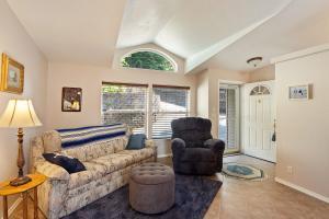 2nd informal family/living room