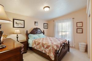 Generously sized bedroom.