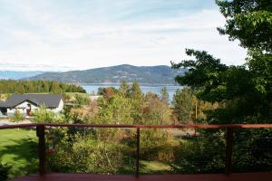 Panoramic Water & Mountain Views