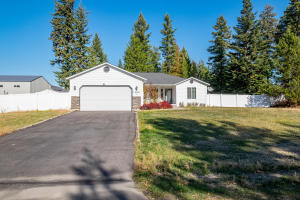 5561 W Blackwell Blvd, Spirit Lake, ID 83869