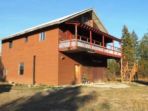 Spirit Lake Home on almost One Acre
