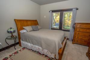 RR Bedroom2-1