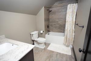 RR Bathroom-1