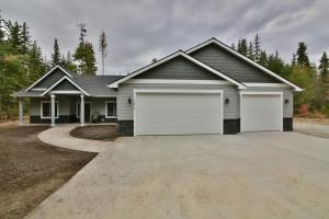 11051 E Grizzly Meadows Ct, Athol, ID 83801