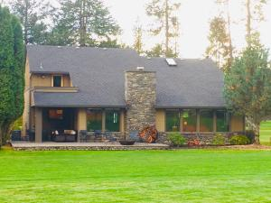 1665 E CLUB LN, Hayden Lake, ID 83835