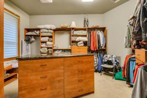 29Master closet-FULL