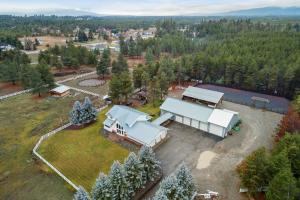 5 Acres with all the bells and whistles!