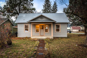 32487 N 2ND AVE, Spirit Lake, ID 83869