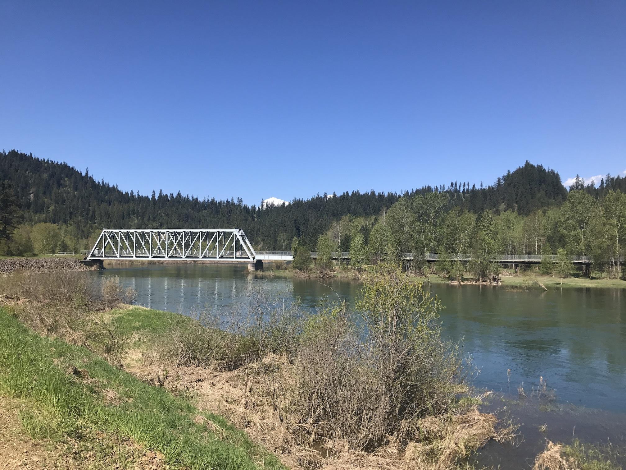 photo of 40553  Riverview Drive Cataldo Idaho 83810