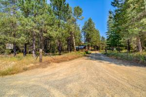 3501 Peterson Rd, Priest River, ID 83856