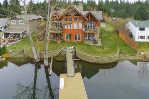 6706 W Salishan Way, Spirit Lake, ID 83869