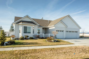 Gorgeous home with great curb appeal! Assumable VA loan on this at 3.5% for eligible buyers!!