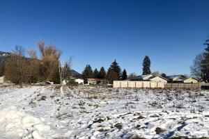 City of Sandpoint, level building lot zoned multi-family.