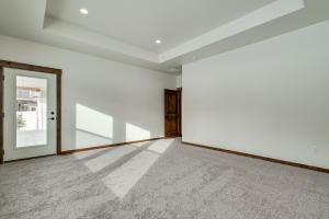 18Master bedroom-SMALL