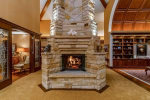 Two Story 4- sided Fireplace