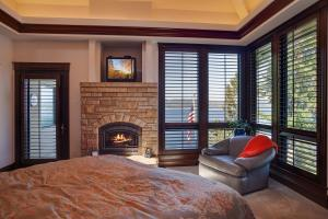 Master Bedroom Lake Views