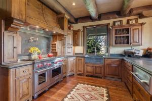 Sub-Zero fridge/freezer, Wolf Range, Asko Dishwasher, and warming drawer. Alder cabinets with special features. Great for the chef!