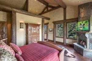 Custom made and antique 19th century furnishings included. A private retreat.