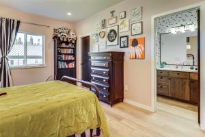 Bedroom 2 - West wing