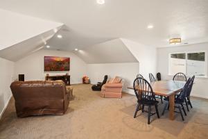 Bonus Room above the garage