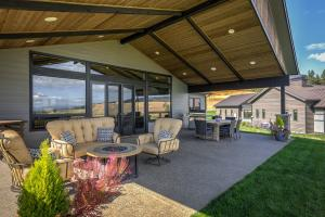 Large outdoor entertaining space
