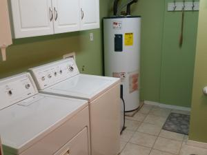 19- W/D, 80 Gal Hot water heater