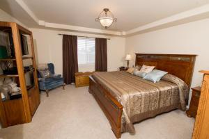 Bedroom mstr_3777