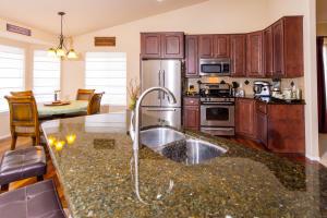 Kitchen_3683