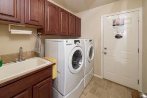 Laundry_3765