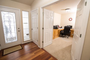 Office entry_3810
