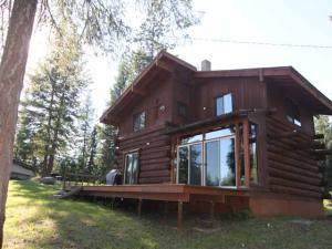 6876 Eastriver Road, Priest River, ID 83856