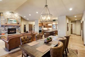 Open Plan Dining