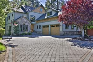 9622 N COUNTRY CLUB DR, Hayden Lake, ID 83835