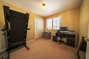 Main Floor Bedroom5/Office