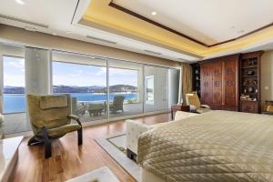 21 Master Bedroom Veiws