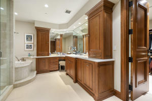 23 His and Hers Master Bathroom