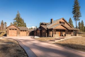 In Gated, high-end Bear Creek Estates in Hayden. Boasting 3200+ SF, Main level Master, Office in the SHOP, gourmet kitchen and so much more. Timeless, relaxed, easy. JUST COMPLETED MARCH 2019.