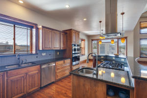 13503NGolfviewLn-10