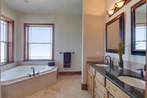 13503NGolfviewLn-17
