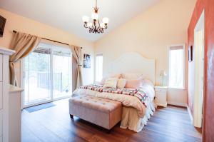 20_Master Bedroom