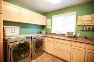 26_Laundry Room