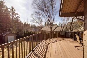 43_Deck_Backyard