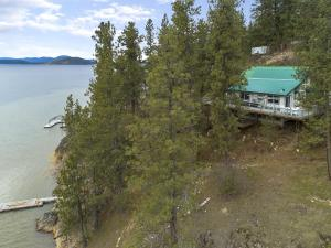 3178 E HATS LN, Harrison, ID 83833