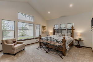 22Master bedroom-SMALL