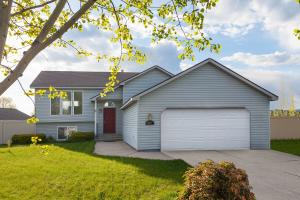 697 N SPARKLEWOOD CT, Post Falls, ID 83854
