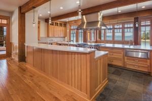 Expansive Gourmet Kitchen