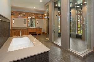 Spa-inspired Master Ensuite Bath